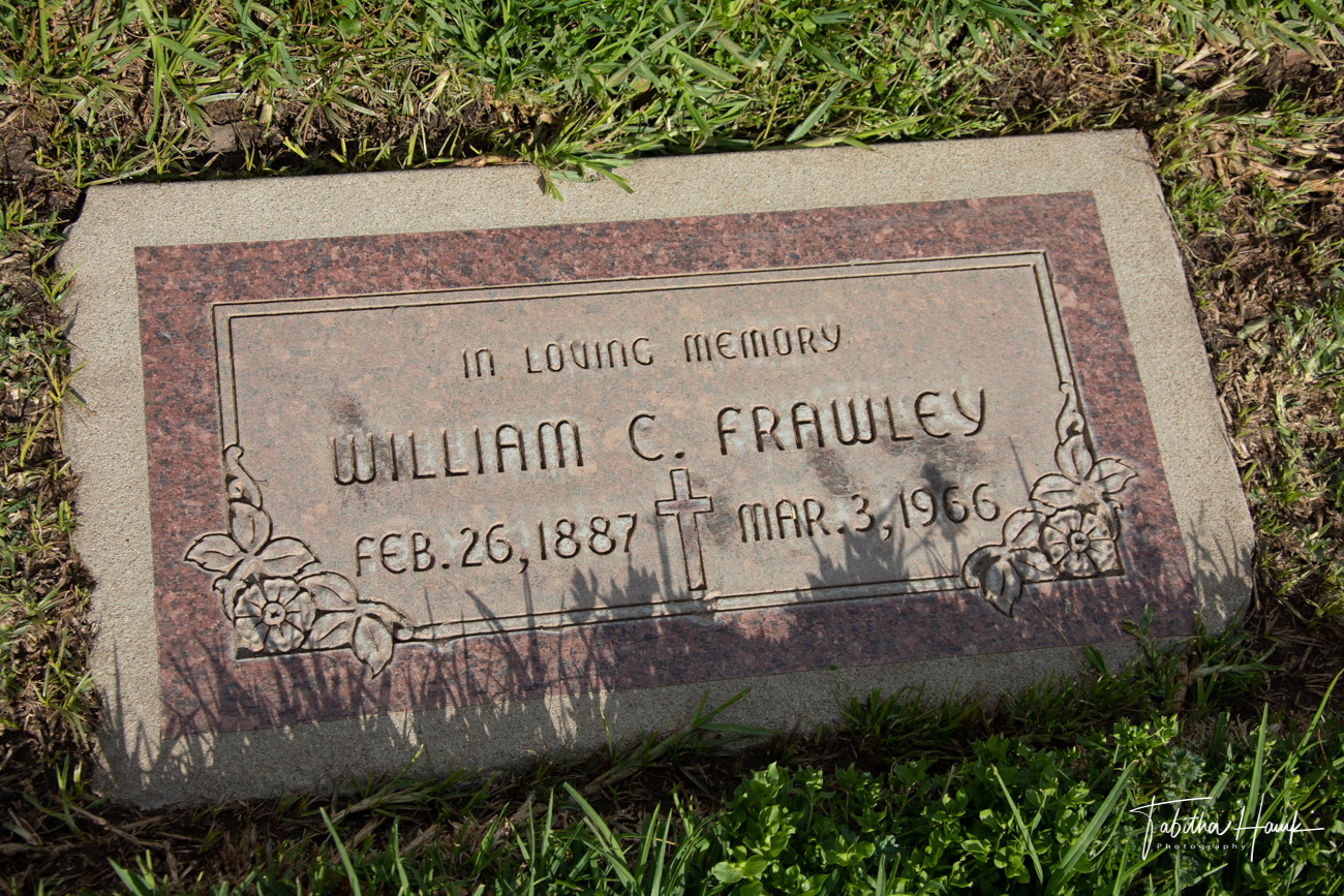 Actors And Actresses Graves Famous Celebrity Infamous Grave Photos And Locations Famous Grave Hunter